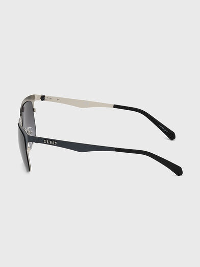 Sunglasses with accent frames - 2