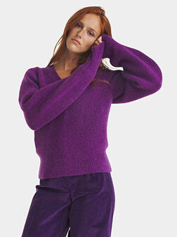 Sweater with a V-neck in purple - 1
