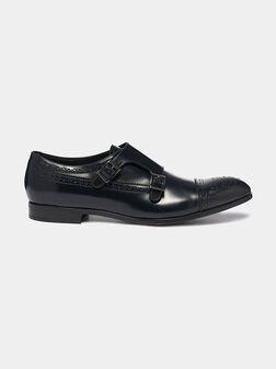 Кожени обувки с катарами в тъмно син цвят - 1