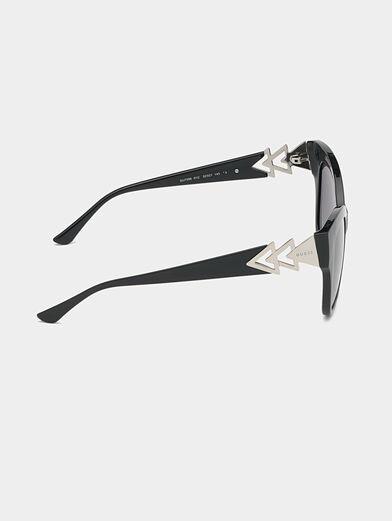 Black sunglasses with triangle logo - 6