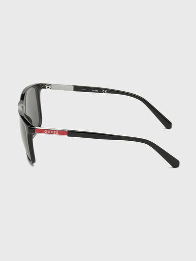 Sunglasses with logo - 2
