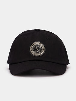 Hat with logo accent - 1