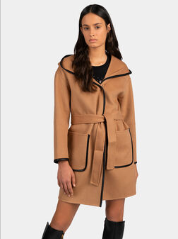 Палто с кожени детайли и колан - 1