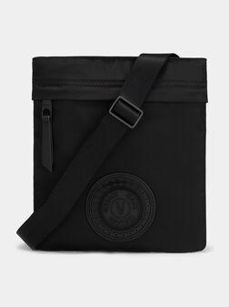 Черна кросбоди чанта - 1