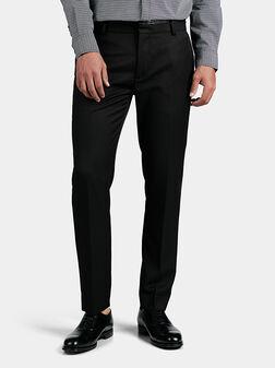 Черен панталон с кожен детайл на талията - 1