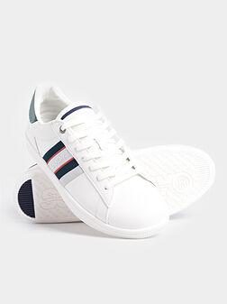 Бели спортни обувки - 1