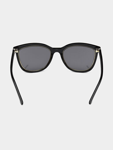 Glasses with black frames and logo detail - 4