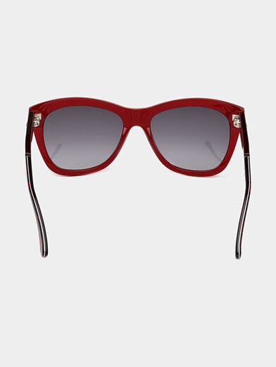 Sunglasses with red frames - 4