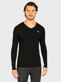 Пуловер с V-образно деколте - 1