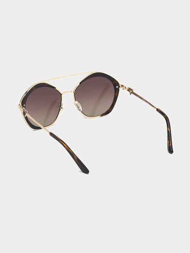 Sunglasses with brown glasses and gold frames - 3