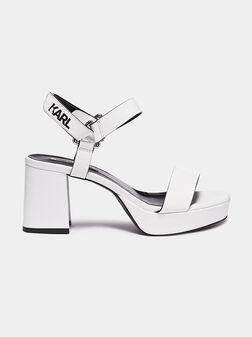 Бели сандали - 1