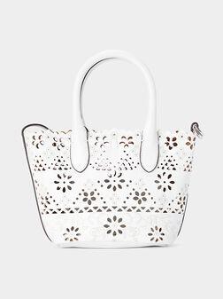 Малка кожена чанта с лазарно изрязани детайли - 1