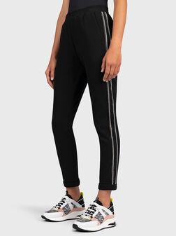 Спортен панталон с кристали - 1