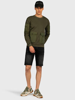 Зелен суитшърт с джобове - 1