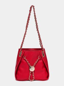 Червена чанта с метални елементи - 1