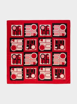Червен шал с лого принт - 1