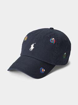 Бейзболна шапка с бродерии - 1