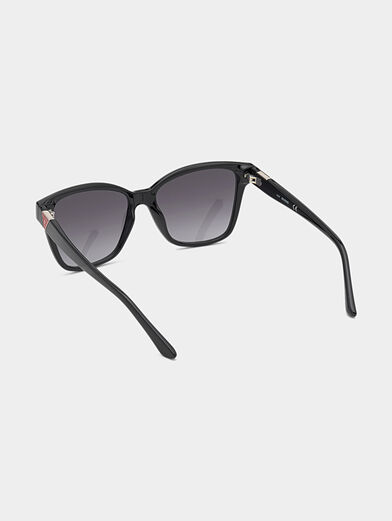 Sunglasses with logo - 3