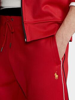 Спортен панталон в червен цвят - 1