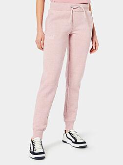 Спортен панталон в розов цвят - 1