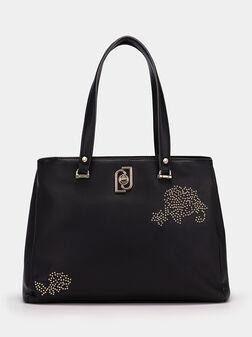 Чанта с декоративни апликации - 1