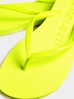 Плажни чехли SUPER SLEEK в неоново жълт цвят - 1