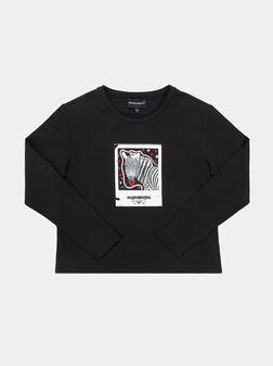 Черна блуза с макси принт - 1