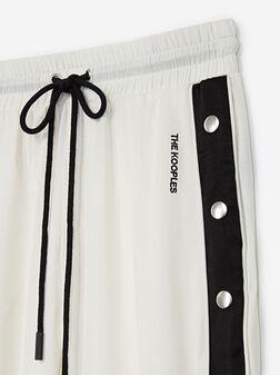 Спортен панталон с контрастни детайли - 1