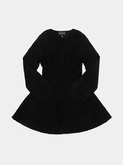 Pleated dress with long sleeves - 1