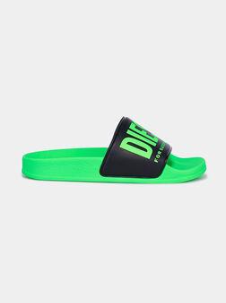 Плажни обувки в зелен цвят - 1
