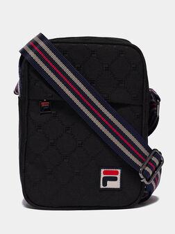 Кросбоди чанта с лого детайли - 1