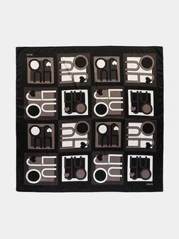 Черен шал с лого принт - 1