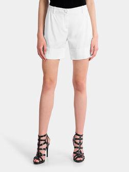 Къси панталони в бял цвят - 1
