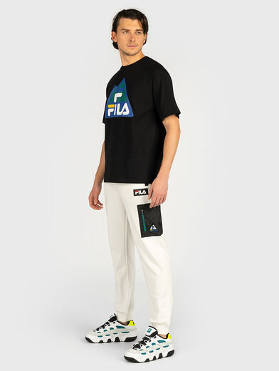 Sports pants with contrasting pocket - 2