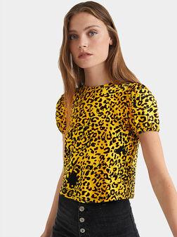 Блуза с къс ръкав и животински принт - 1