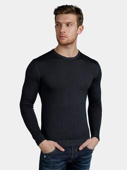Пуловер в тъмно син цвят - 1