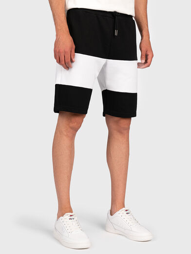 JAKE Shorts with color-block effect - 1