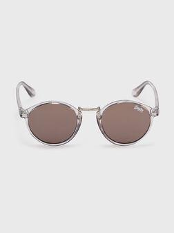 Слънчеви очила със сива рамка - 1