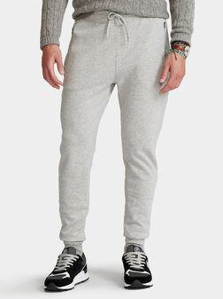 Спортен панталон в сив цвят - 1