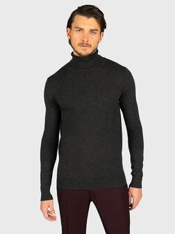 Пуловер с поло яка в сив цвят - 1