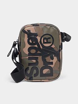 Кросбоди чанта с камуфлажен принт - 1