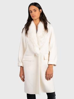 Палто с яка от еко косъм  - 1