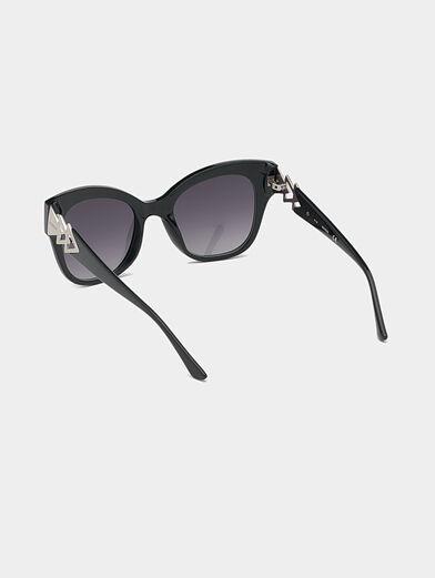 Black sunglasses with triangle logo - 3