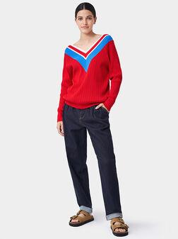 Червен пуловер - 1