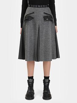 Миди пола в сив цвят с ципове - 1