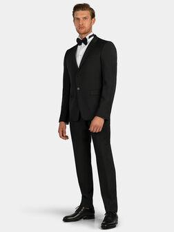 Елегантен сив костюм - 1