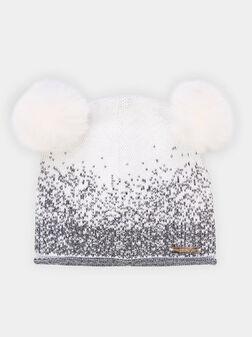 Плетена шапка с помпони - 1