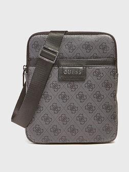 Кросбоди чанта VEZZOLA с лого принт - 1