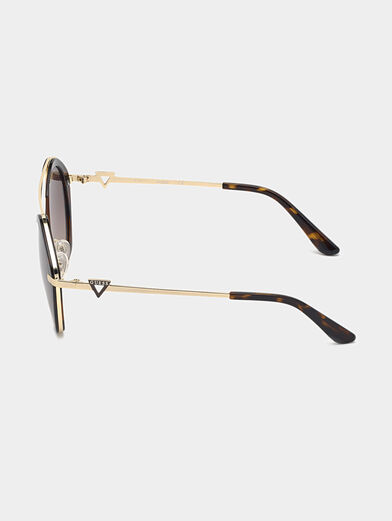 Sunglasses with brown glasses and gold frames - 2