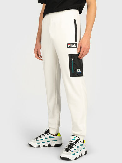 Sports pants with contrasting pocket - 3